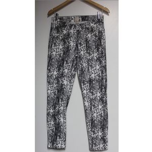 H&M~ Printed jeans size 6